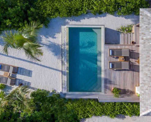 Hurawalhi Maldives Villas