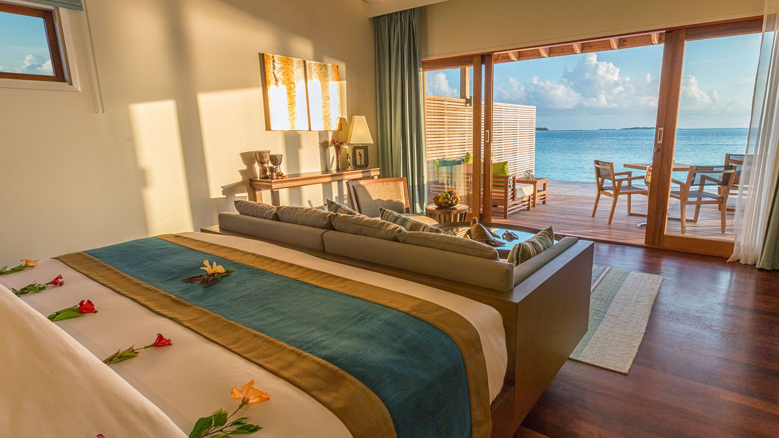 Romantic ocean villa hurawalhi maldives resort villas for Villa lotto interior design