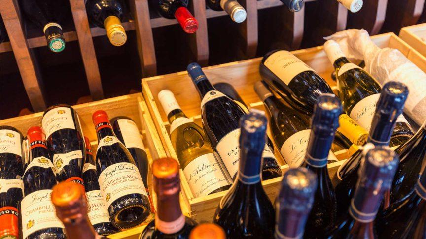 Hurawalhi wine cellar