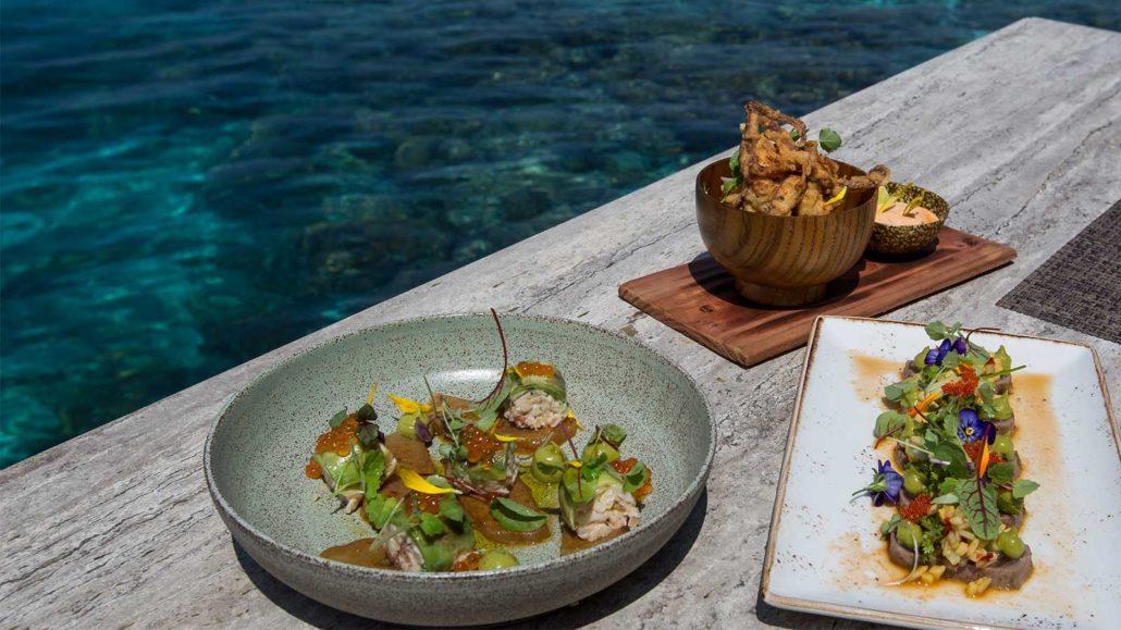 Aquarium Restaurant Hurawalhi Maldives