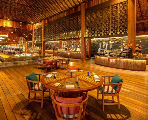 Canneli Restaurant Hurawalhi Maldives