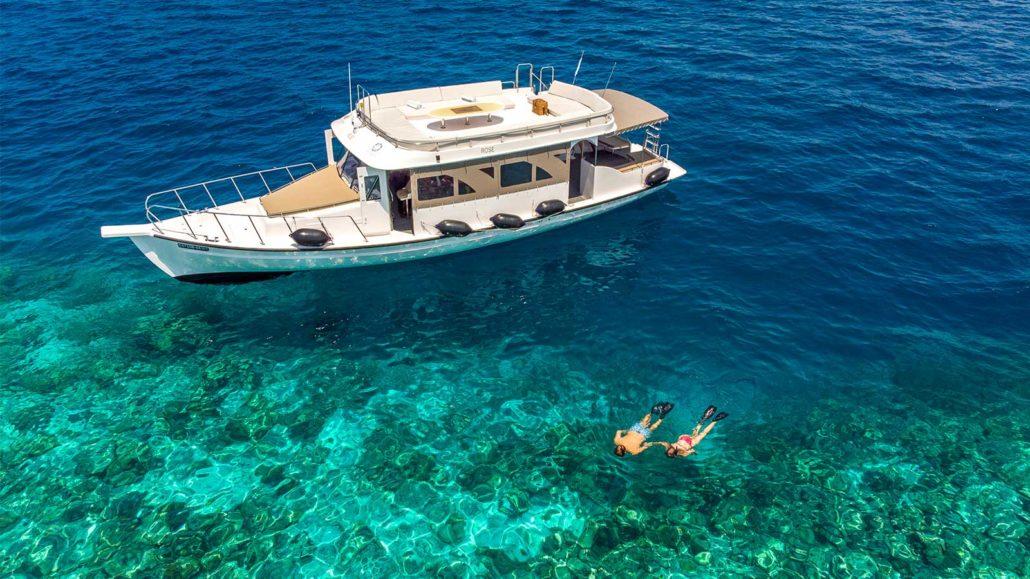 Snorkel at Hurawalhi Maldives